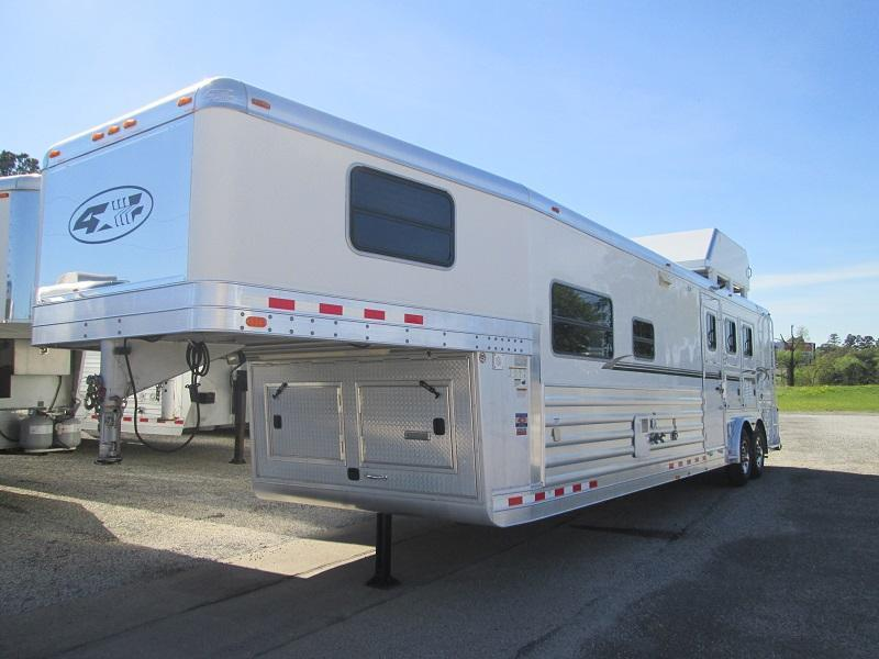2008 4-Star Trailers 3H OUTLAW CONVERSION EXCELLENT SHAPE Horse Trailer