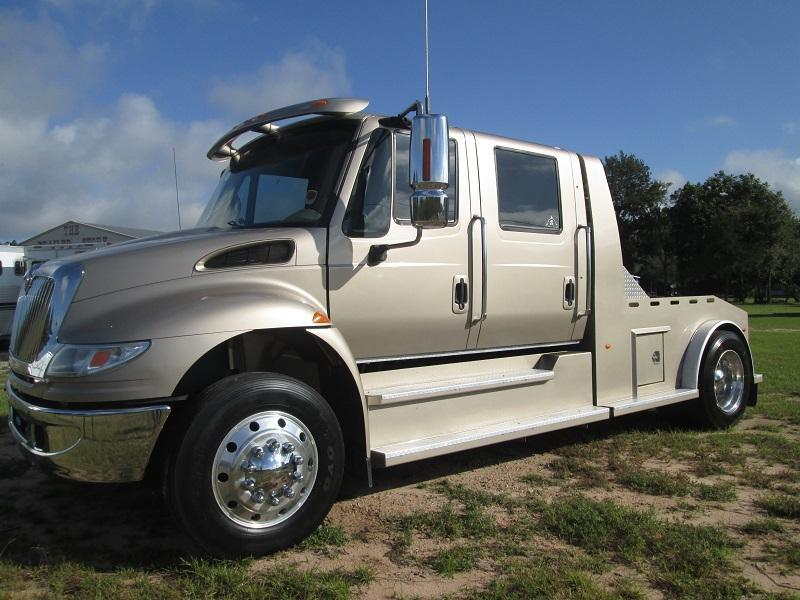 2006 International Truck - LOW MILEAGE