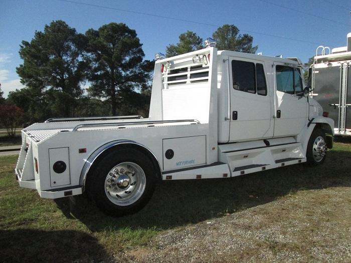 2003 Freightliner FL60 SPORTCHASSIS Truck