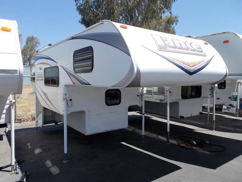 2011 Lance 825 Truck Camper/Shortbed
