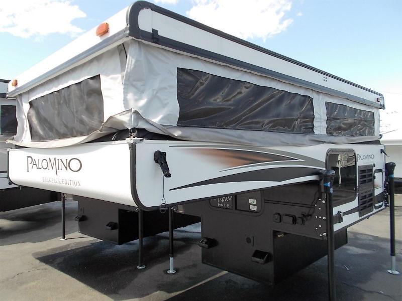 2017 Palomino 500 Truck  Camper/