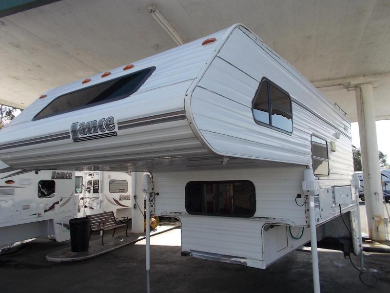 2001 Lance 1010 Truck Camper/Longbed