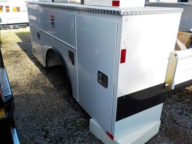 2017 CM SB 110 / 94 VV/SS Truck Service Body