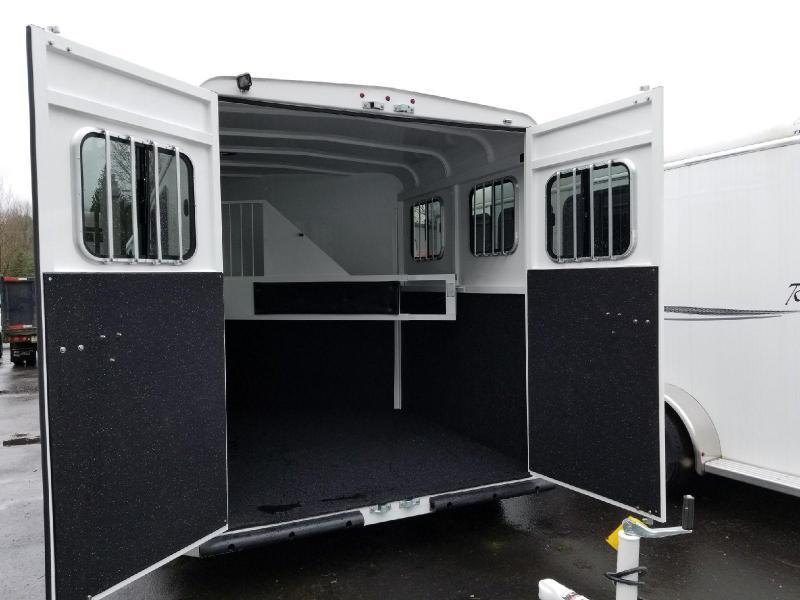 2018 Thuro-Bilt 2 Horse Liberty w/ Double Rear Doors Horse Trailer
