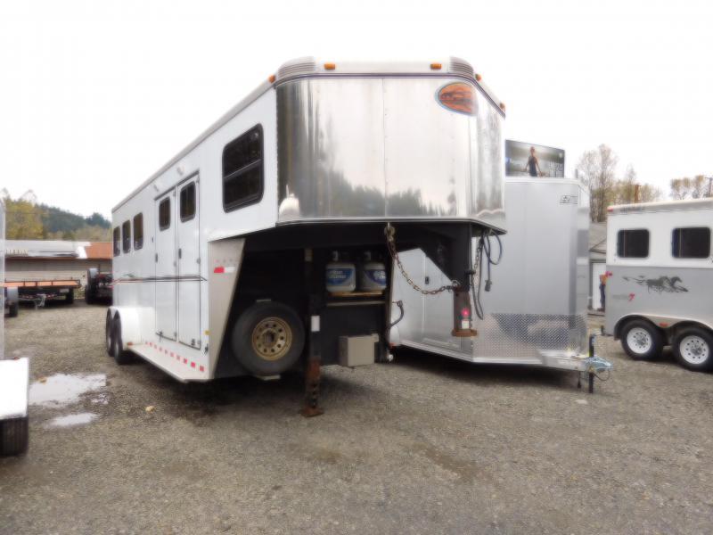 Used 2009 Sundowner 3 Horse Gooseneck Horse Trailer