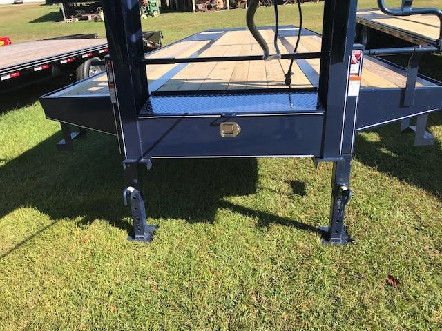 2018 Delta Manufacturing 28ft Tandem Dually Equipment Trailer