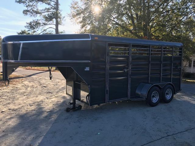 2018 Calico 3h GN Horse Trailer