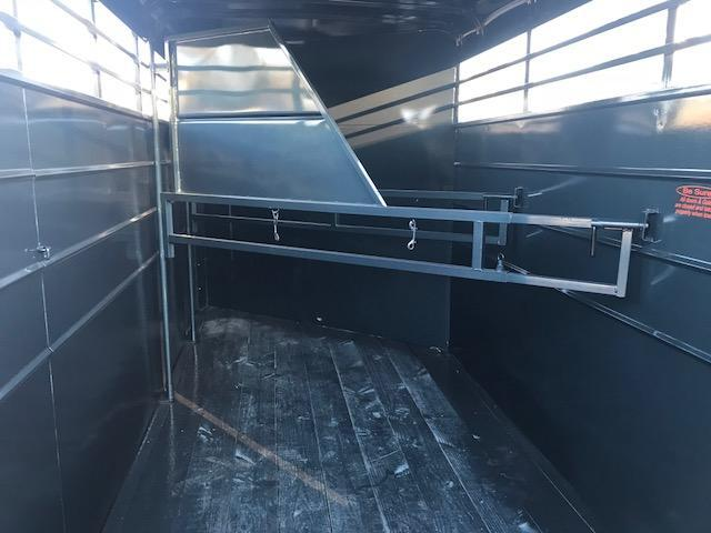 2018 Calico 3 Horse Slant Load Trailer