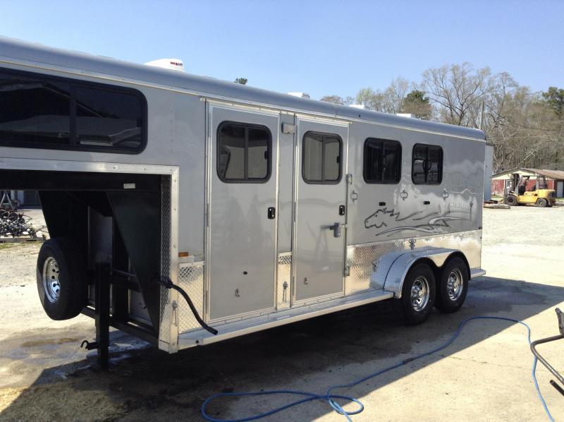 2018 Homesteader Stallion 3 Horse Trailer We Have