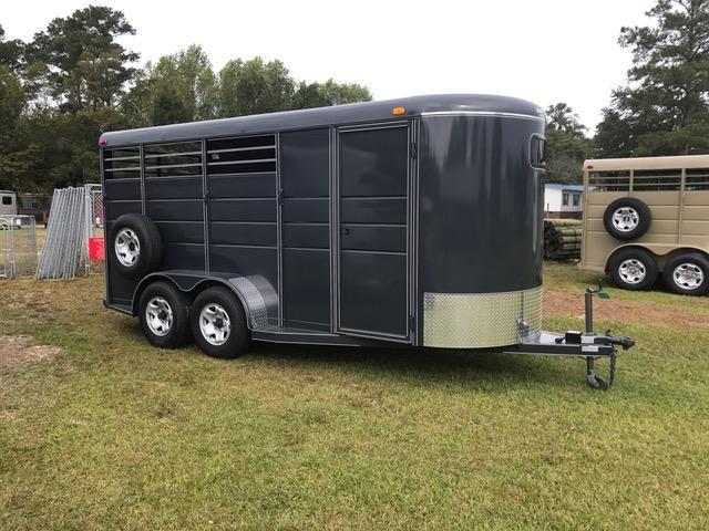 2018 Calico 3 Horse Slant Load Horse Trailer w/ Drop Down Windows