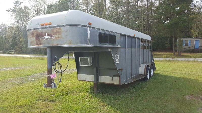 1994 Quality 2H GN w/weekender Horse Trailer