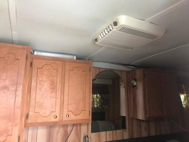 Featherlite 3h Horse Trailer with weekend package