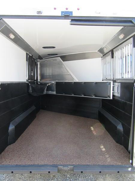 New 2017 Logan Coach XT 2H BP Horse Trailer Vin 05537