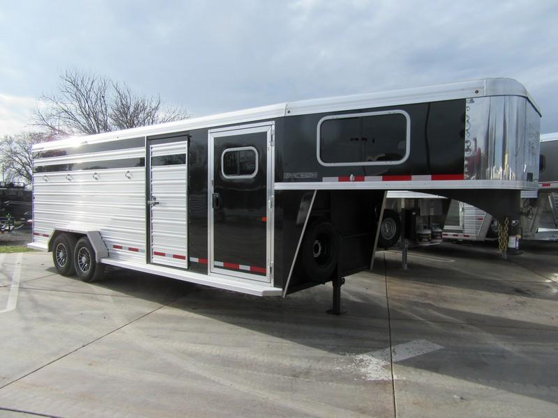 New 2018 Logan Coach Stockcombo 22ft Livestock Trailer Vin 06137