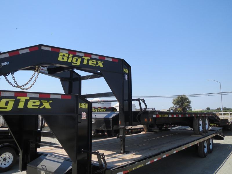 """New 2017 Big Tex 14GN-20+5 102""""x 25' Equipment Trailer Vin 65552"""