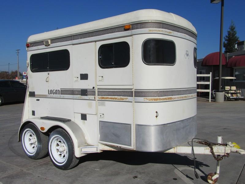 Preowned 1990 Logan Coach Straightload 2H Horse Trailer Vin 05253