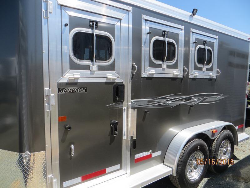 2016 Logan Coach 3H Rampage BP HD Horse Trailer Vin 04415