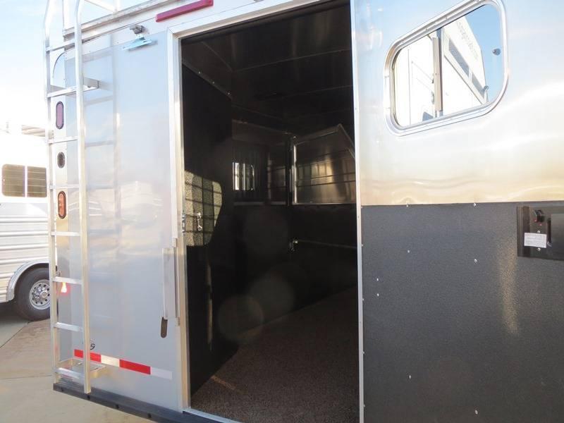 2014 Logan Coach 4 Horse Razor HD Living Quarters w/812 LQ Package Horse Trailer VIN 72062