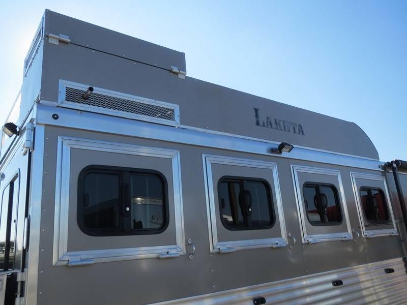 New 2016 Lakota Charger C8411 4H GN Living Quarters Horse Trailer VIN 01049