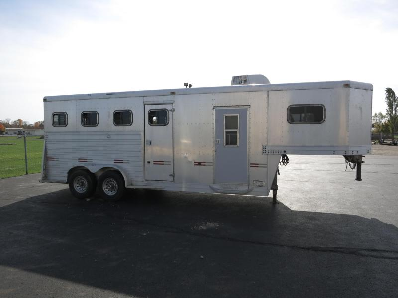 Used 3 Horse Gooseneck Trailers w/ Dressing Room