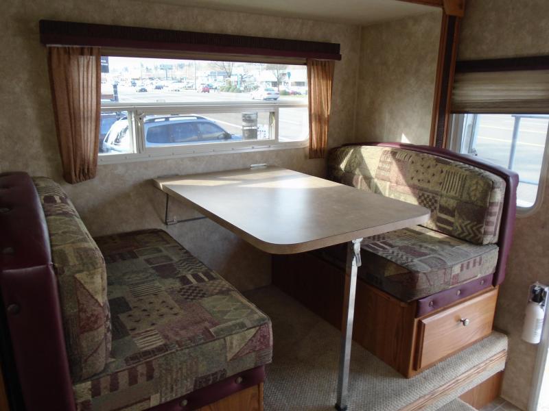 2008 Artic Fox 811 Truck Bed Camper