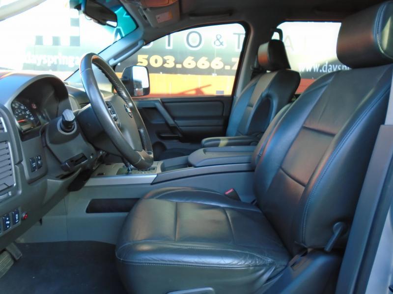 2008 Nissan TITAN Truck