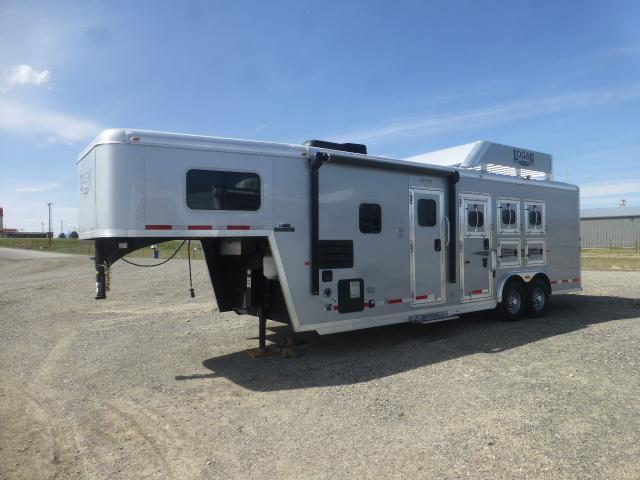 2016 Logan Coach LQ 8 Wide (809) Horse Trailer
