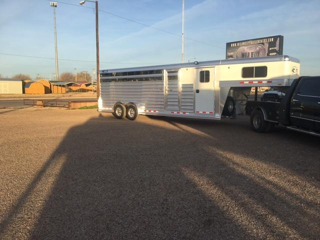 2017 4-Star Trailers 24 ft Stock Horse Trailer