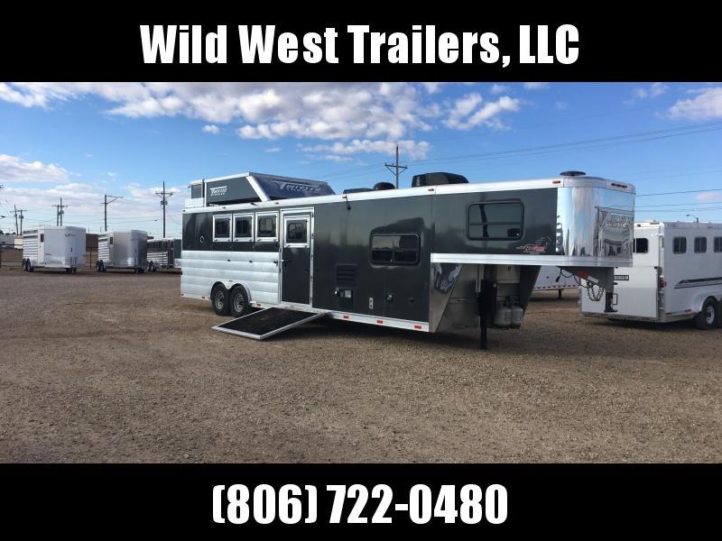 2015 Twister 4 Horse Trailer