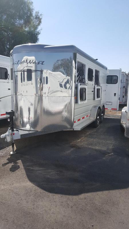 2018 Trails West SEIRRA II    3 Horse Trailer