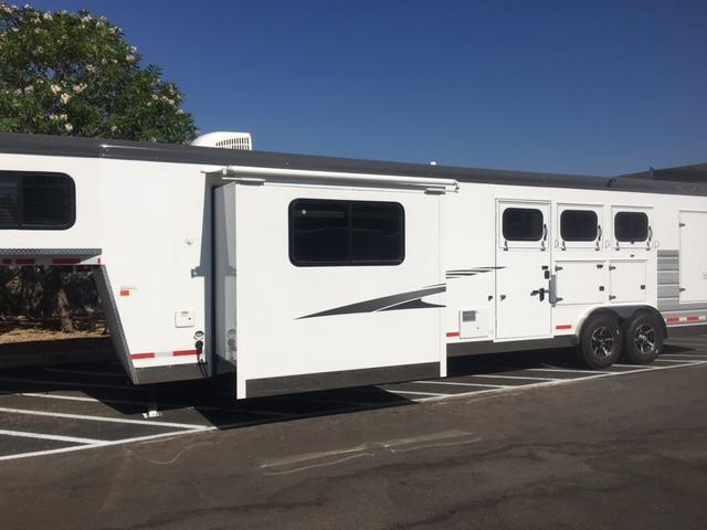 2018 Trails West SEIRRA  w/ LQ   3 Horse Trailer (GN)