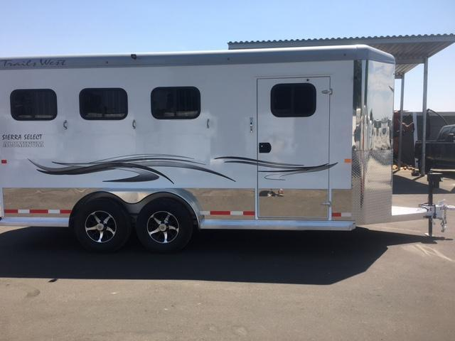 2018 Trails West Manufacturing Sierra Select Horse Trailer 7'6