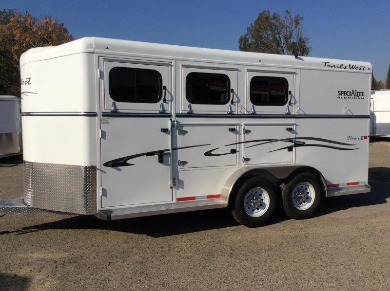 2017 Trails West Classic II Aluminum 3 Horse Trailer