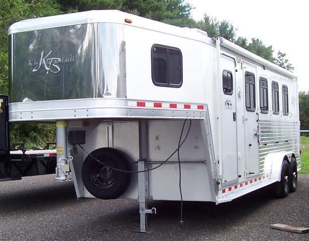 2000 Kiefer Built Genesis X4 Horse Trailer