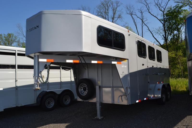 2015 Titan Trailers Avalanche Livestock Trailer