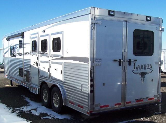 2017 Lakota Trailers Big Horn 8316SR Horse Trailer