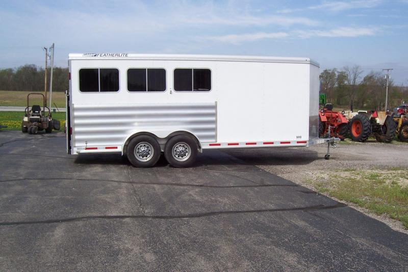 2014 Featherlite 9409 Horse Trailer