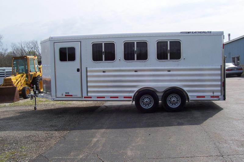 2014 Featherlite 9409 Horse Trailer