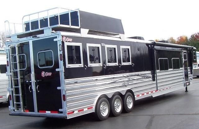 2017 Kiefer Manufacturing 8224 Two Slides Island 50 TV! Horse Trailer