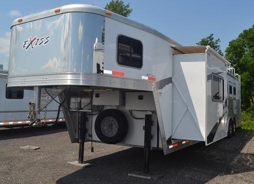 2009 Exiss x414 Horse Trailer