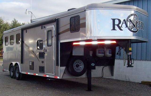 2015 Bison Trailers Ranger 8308 Horse Trailer