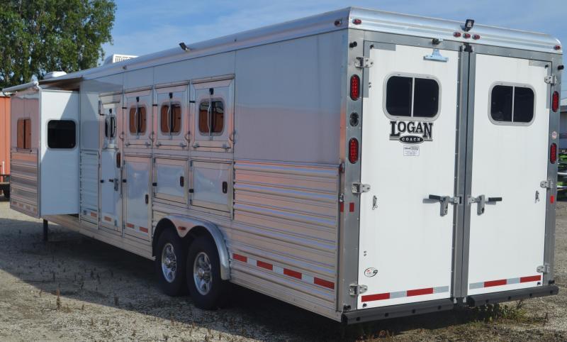2016 Logan Coach Razor 812 Horse Trailer