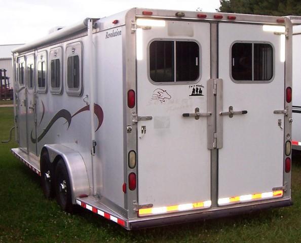 2000 Sooner Revolution with Duster Interior Horse Trailer