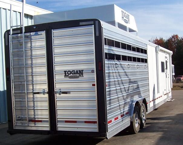 2017 Logan Coach 812 Limited Stock/Combo 12 LQ Horse Trailer