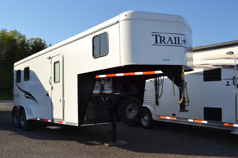 2018 Bison Trailers Trail Hand Horse Trailer