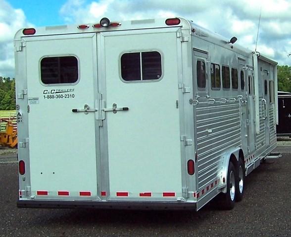 2006 C and C Trailers 5-HORSE W/ 14 LQ Horse Trailer