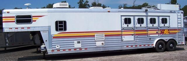 2003 4-Star Trailers 8412 Horse Trailer