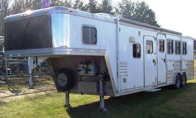 2008 Featherlite 8581 w/13 FT LQ Horse Trailer