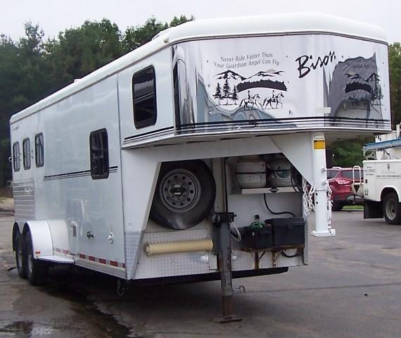 2002 Bison Trailers 380 Alumasport Horse Trailer