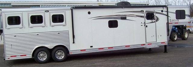 2017 Lakota Trailers Charger 8315 Horse Trailer